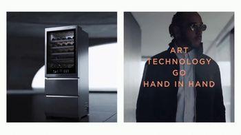 LG Signature TV Spot, 'Embraces Art & Technology' Featuring Lewis Hamilton, Olivia Palermo - Thumbnail 6