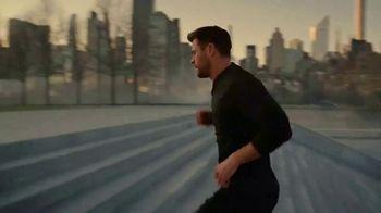 BOSS Bottled TV Spot, 'Vision' Featuring Chris Hemsworth, Song by Imagine Dragons - Thumbnail 8