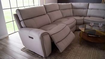 Bob's Discount Furniture TV Spot, 'Seccional eléctrico' [Spanish] - Thumbnail 6