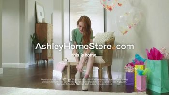 Ashley HomeStore Spring Semi-Annual Sale TV Spot, 'Fresh Styles' - Thumbnail 8