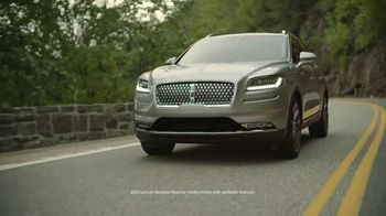 Lincoln Motor Company Spring Sales Event TV Spot, 'Desire to Be Outside' [T2] - Thumbnail 4