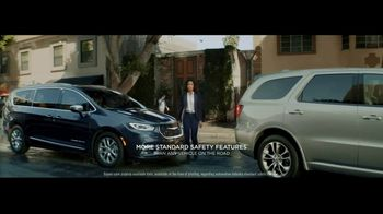 2021 Chrysler Pacifica Hybrid TV Spot, 'Split Second' [T2] - 37 commercial airings