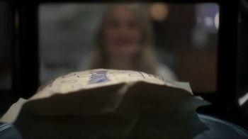 XFINITY Internet TV Spot, 'Overflowing Popcorn' Featuring Amy Poehler - Thumbnail 1
