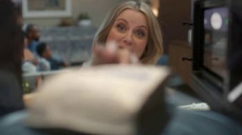 XFINITY Internet TV Spot, 'Overflowing Popcorn' Featuring Amy Poehler - Thumbnail 2