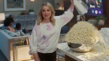 XFINITY Internet TV Spot, 'Overflowing Popcorn' Featuring Amy Poehler - Thumbnail 3