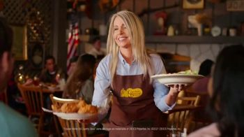 Cracker Barrel Southern Fried Chicken TV Spot, 'Taste Care' - Thumbnail 5