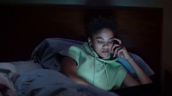 Fitbit Luxe TV Spot, 'Patterns: Sleepy Kimmy' Song by Brett - Thumbnail 2