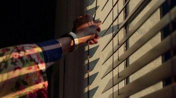 Fitbit Luxe TV Spot, 'Patterns: Sleepy Kimmy' Song by Brett - Thumbnail 6