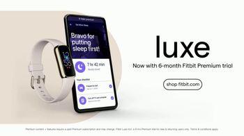 Fitbit Luxe TV Spot, 'Patterns: Sleepy Kimmy' Song by Brett - Thumbnail 9