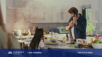 Farmers Insurance TV Spot, 'Phone It In: Auto/Home Discount' - Thumbnail 7