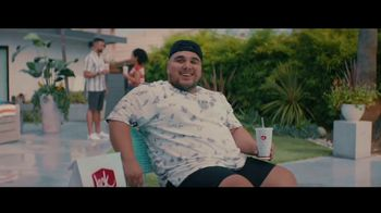Jack in the Box BBQ Bacon Double Cheeseburger Combo TV Spot, 'Piscina' con Oscar Miranda [Spanish] - Thumbnail 2