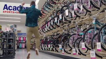 Academy Sports + Outdoors Three Day Online Only Sale TV Spot, 'Great Deals: Free Shipping' - Thumbnail 2