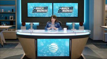 AT&T Wireless TV Spot, 'Lily Uncomplicates: Layups' - Thumbnail 5