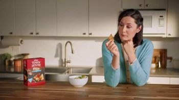 Town House Crackers TV Spot, 'Craving Adventure: Dipping Thins' - Thumbnail 1