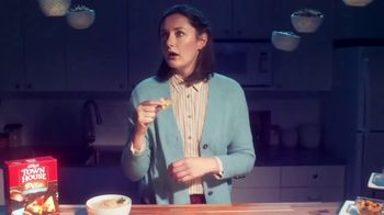 Town House Crackers TV Spot, 'Craving Adventure: Dipping Thins' - Thumbnail 5