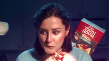 Town House Crackers TV Spot, 'Craving Adventure: Dipping Thins' - Thumbnail 6