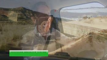 Land Rover Defender TV Spot, 'Outdoors: Sand Driving' [T1] - Thumbnail 4