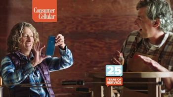 Consumer Cellular TV Spot, 'Award Winner' - Thumbnail 4