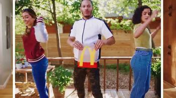 McDonald's $6 Bundle TV Spot, 'Stop and Share Some Joy' Song by Kenny Moron, Gerald Flores - Thumbnail 3