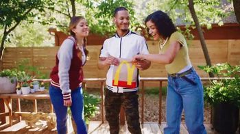 McDonald's $6 Bundle TV Spot, 'Stop and Share Some Joy' Song by Kenny Moron, Gerald Flores - Thumbnail 4