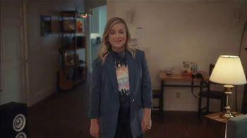 XFINITY Flex TV Spot, 'First Apartment: $19.99' Featuring Amy Poehler - Thumbnail 1