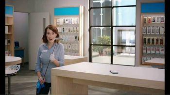 AT&T Wireless 5G TV Spot, 'New Putter' - Thumbnail 4