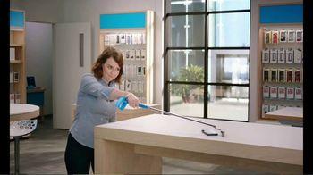 AT&T Wireless 5G TV Spot, 'New Putter' - Thumbnail 5