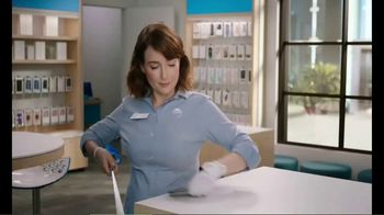 AT&T Wireless 5G TV Spot, 'New Putter' - Thumbnail 6