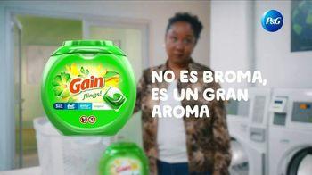 Gain Flings TV Spot, 'Por primera vez' canción de All-4-One [Spanish] - Thumbnail 6