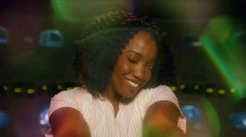 Gain Flings TV Spot, 'Por primera vez' canción de All-4-One [Spanish] - Thumbnail 3