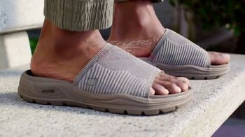 SKECHERS Arch Fit TV Spot, 'Start Your Day' - Thumbnail 4