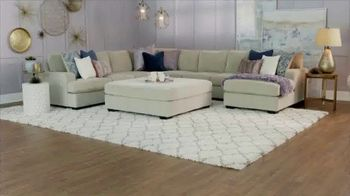 Ashley HomeStore The Big Deal Event TV Spot, 'Bed, Sectional and Special Financing' - Thumbnail 3