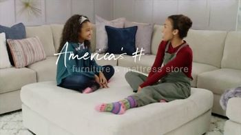 Ashley HomeStore The Big Deal Event TV Spot, 'Bed, Sectional and Special Financing' - Thumbnail 7