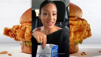 Zaxby's Signature Sandwich Meal TV Spot, 'The Sauce' - Thumbnail 4