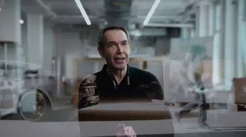 BMW TV Spot, 'The Art of Leadership' Featuring Jeff Koons [T1] - Thumbnail 5