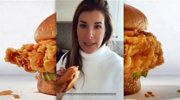 Zaxby's Signature Sandwich TV Spot, 'Speak Spicy' - Thumbnail 4