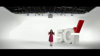 Verizon TV Spot, 'Broken Phone. Broken Rules.' - Thumbnail 4