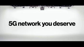 Verizon TV Spot, 'Broken Phone. Broken Rules.' - Thumbnail 9