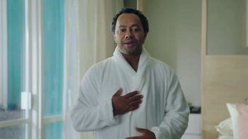 Hotwire TV Spot, 'Book Beyond Your Wildest Means: Terry Cloth' - Thumbnail 6
