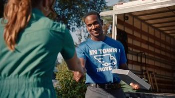 Yelp for Business TV Spot, 'In Town Movers' - Thumbnail 9