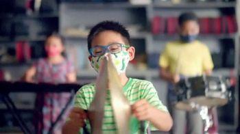 Lysol Disinfecting Wipes TV Spot, 'Protegidos estando aquí' [Spanish]