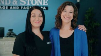 Hand & Stone Christmas in July Gift Card Sale TV Spot, 'Hooked: $79.95 Massage or Facial Gift Card'