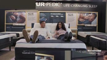 Mattress Firm Best Memorial Day Sale Ever TV Spot, 'Early Access: $300 Instant Gift'