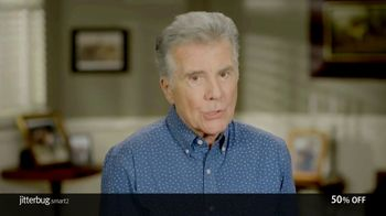 GreatCall Jitterbug Smart2 TV Spot, 'You're Not Alone: Mother's Day' Featuring John Walsh - Thumbnail 2