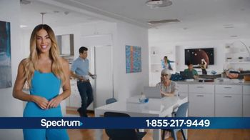 Spectrum Internet TV Spot, 'Conecta con tu mundo: $49.99 dólares' con Gaby Espino [Spanish] - 60 commercial airings