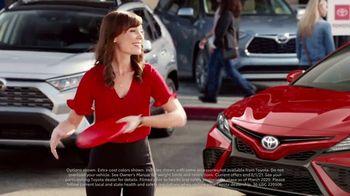 Toyota Summer Starts Here TV Spot, 'Flying Disc' [T1] - Thumbnail 2