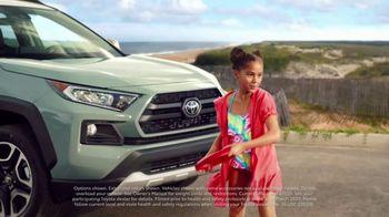 Toyota Summer Starts Here TV Spot, 'Flying Disc' [T1] - Thumbnail 4