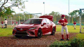 Toyota Summer Starts Here TV Spot, 'Flying Disc' [T1] - Thumbnail 5