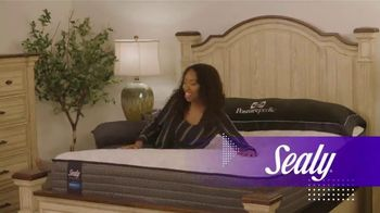 Rooms to Go TV Spot, 'Bring Home a Better Night's Sleep' - Thumbnail 4