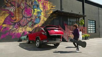 2022 Hyundai Tucson TV Spot, 'Question Everything' Ft. Jason Bateman, Kawhi Leonard, Mindy Kaling, Becky G  [T1] - Thumbnail 4
